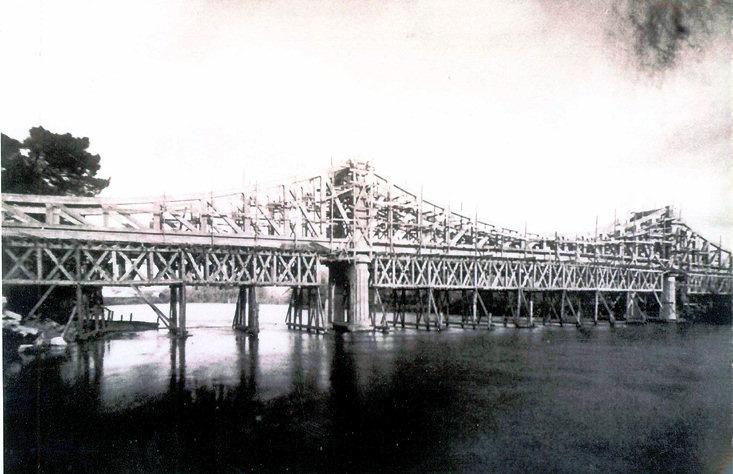 Construction pont suspendu 1927