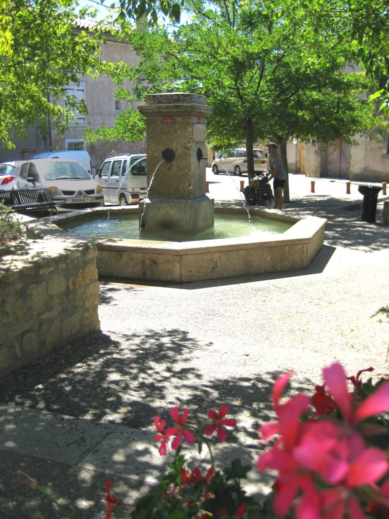 Fontaine Place Cambriel